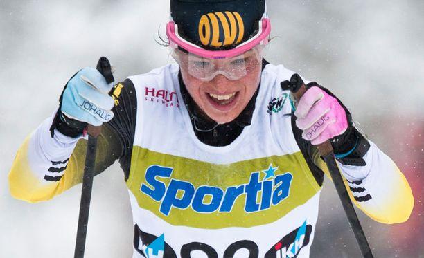 Krista Pärmäkoski hiihti SM-kultaa 30 kilometrin kisassa.
