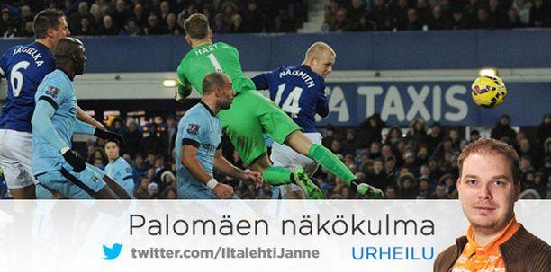 Steven Naismith puskee Evertonille kotitasapelipisteen.