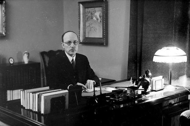 Vasta uhkaus rintamakarkurin leimasta sai pääjohtaja Risto Rytin ottamaan vastaan maan pääministeriyden 75 vuotta sitten.