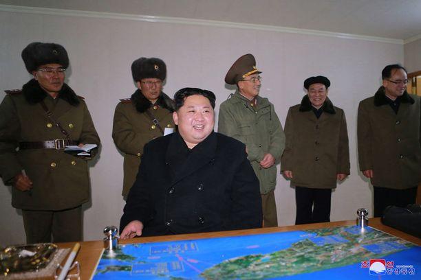 Pohjois-Korean johtaja Kim Jong-un seurasi henkilökohtaisesti mannertenvälisen ballistisen ohjuksen testausta marraskuun lopussa.
