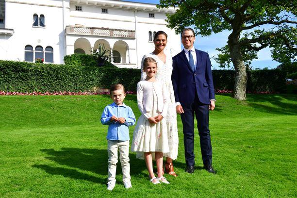 Kruununprinsessa Victoria viettää perheineen kesää Öölannissa.