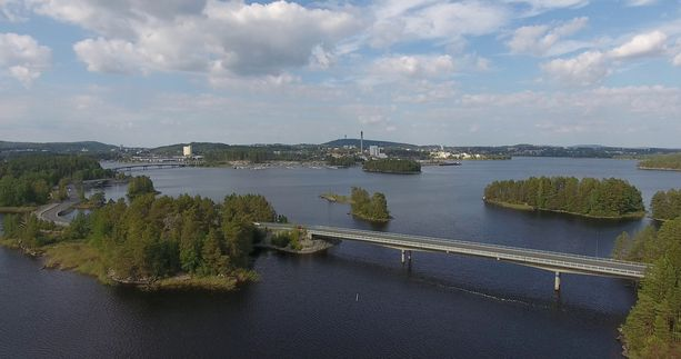 Saaristokatu yhdistää Kuopion Saaristokaupungin ja keskustan.