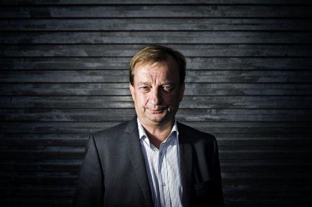 Sairaus pysäytti Jääkiekkomoguli Hjallis Harkimo sai sydänkohtauksen perhelomallaan Etelä-Afrikassa tämän vuoden tammikuussa.