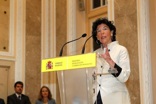 Isabel Celaá on monien alojen osaaja.