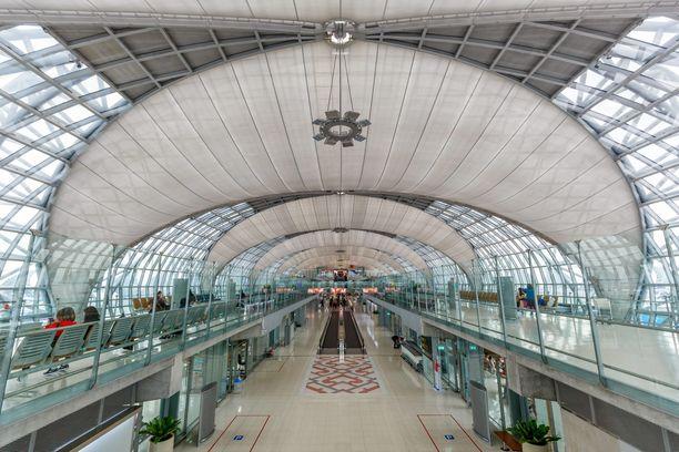 Saudinainen on kiinniotettuna Suvarnabhumin lentoasemalla Bangkokissa. Hänet aiotaan palauttaa kotimaahansa.