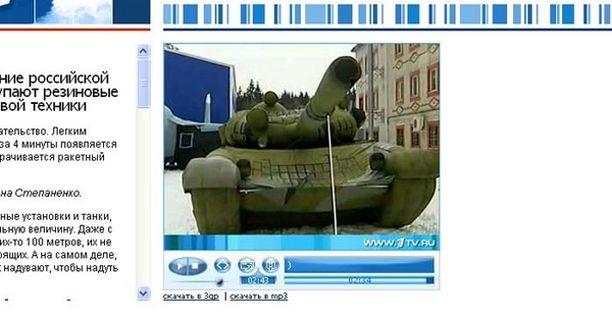Venäläinen tv-kanava uutisoi pumpattavista aseista torstaina.