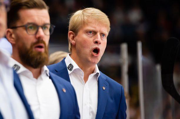 Jukka Rautakorpi kävi ajoittain kierroksilla Tampereen paikallismatsin aikana perjantaina Hakametsän jäähallissa.