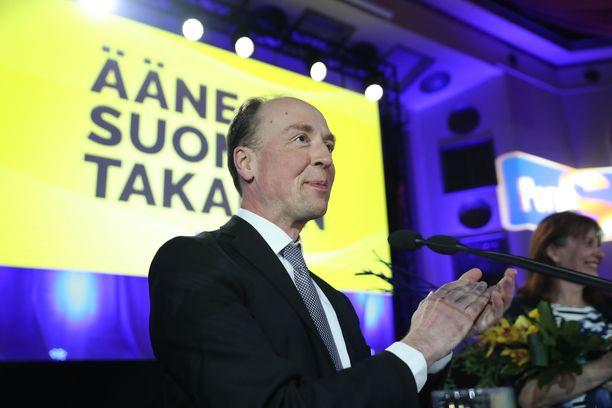 Jussi Halla-aho kiitti puoluettaan hyvästä työstä.