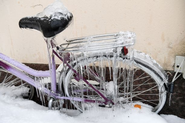 Räntää tai lunta sataa eritoten aamupäivällä.
