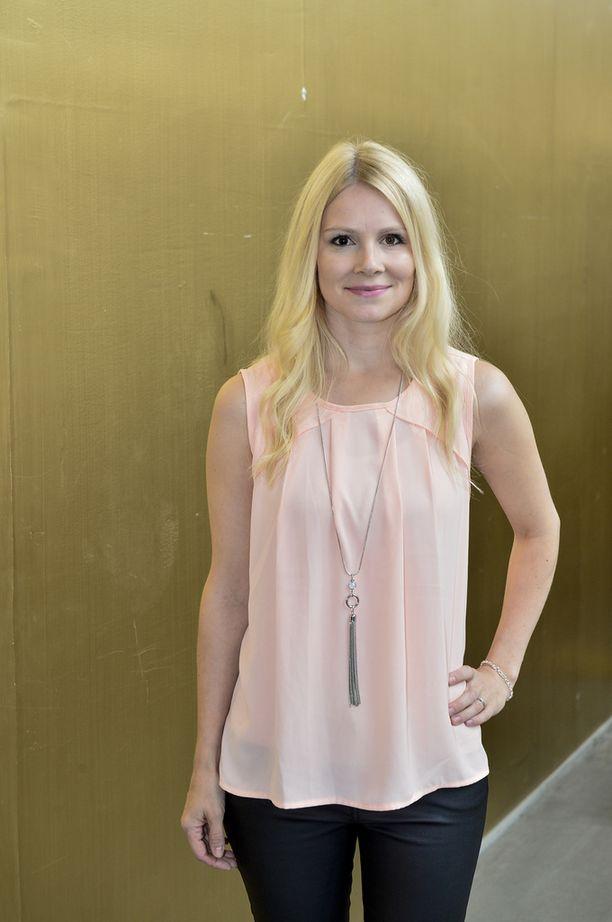 Napapiirin sankareista ja Leijonasydämestä tunnettu näyttelijä Pamela Tola on kolmen lapsen äiti.