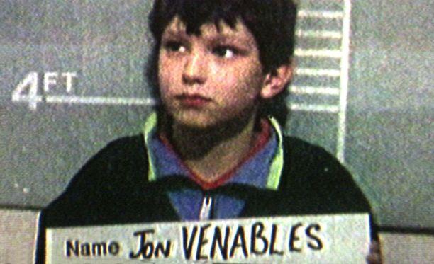 Moni aikalainen muistaa tämän kuvan. 10-vuotias Jon Venables pidätyskuvassa vuonna 1993.