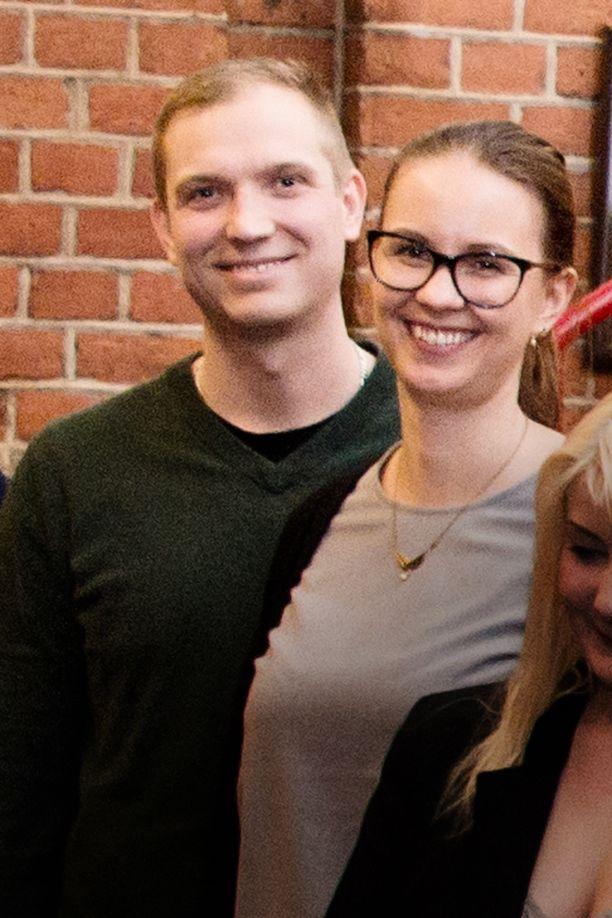 Petri Pohjolainen pysähtyi Petra Lipposen kanssa tulipalopaikalle ja auttoi miehen ulos palavasta talosta.