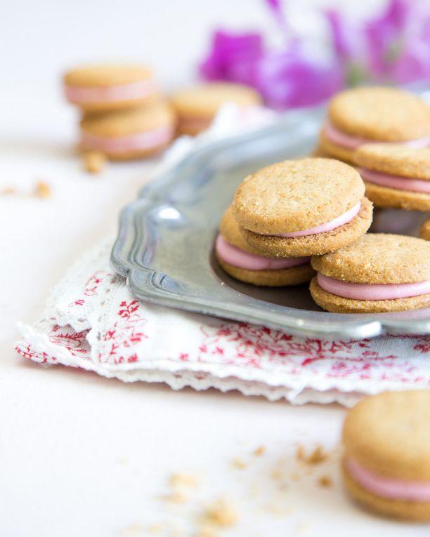 Vaaleanpunaiset pikkuleivät ovat suloisia.