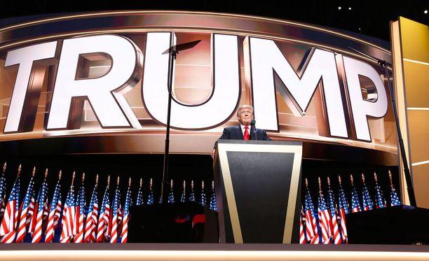 Republikaanien presidenttiehdokas Donald Trump on kuronut Hillary Clintonin etumatkan kiinni.