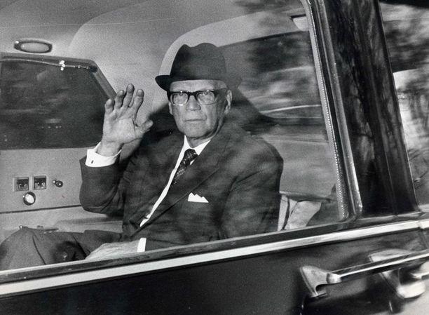 CIA ei aikonut hiiskua vakoilulennosta Urho Kekkosen johtamalle Suomelle. Lentoa tunnustettaisi edes siinä tapauksessa, että kone joutuisi tekemään pakkolaskun Suomeen, CIA suunnitteli.