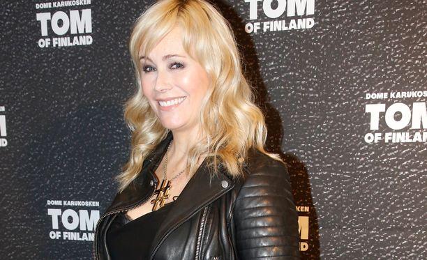 Anna Kukkohovi esiintyi pitkästä aikaan julkisuudessa.