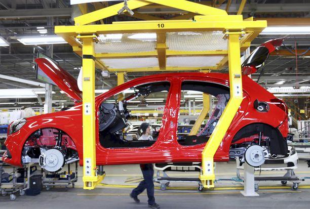 Uudenkaupungin autotehtaassa päästiin ensimmäistä kertaa yli 100 000 auton tuotannon viime vuonna..