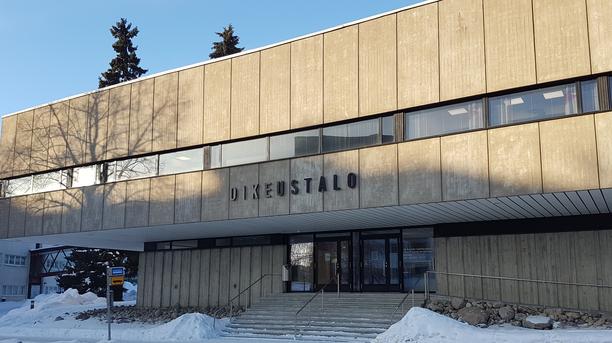 Itä-Suomen hovioikeus käsitteli Stora Enson tehtaalla sattunutta työtapaturmaa.