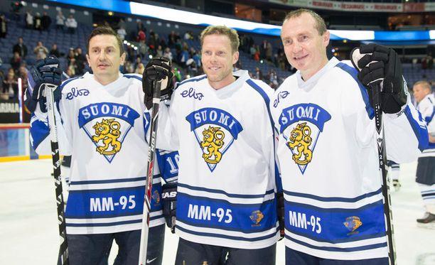 Ville Peltonen, Saku Koivu ja Jere Lehtinen tapasivat marraskuussa hyväntekeväisyyottelussa.