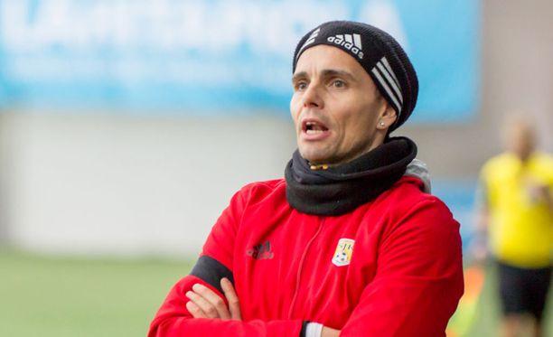 Simo Valakari luotsasi SJK:n sekä liiga- että cupmestaruuksiin.