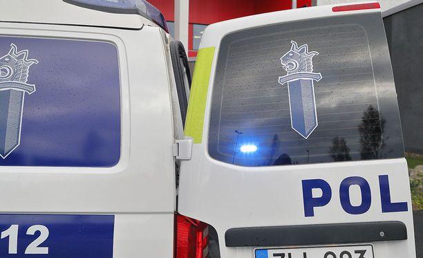 Poliisi sai miehet kiinni varastettu omaisuus hallussaan. Kuvituskuva.