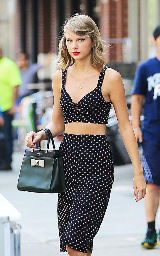 laulaja Tyalor Swift on ihastunut merkin kaksiosaisiin asuihin.
