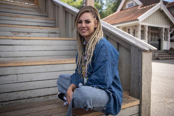 Eva Wahlström on dokumentoinut odotustaan somessa.