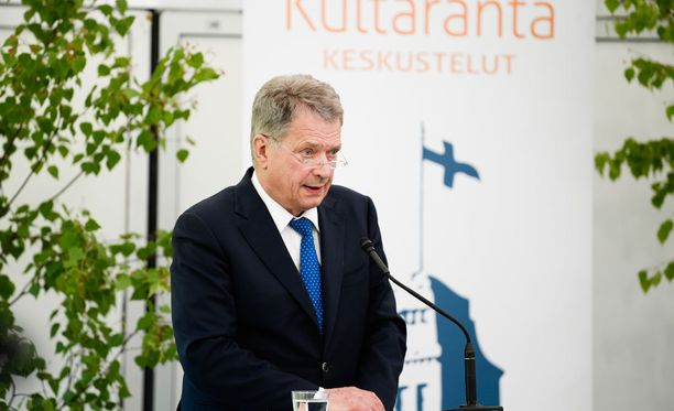 Presidentti Niinistö kommentoi PS:n muutosta yleisellä tasolla Kultarannassa.