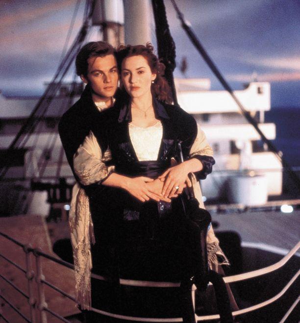 Titanicin tarina tuli tunnetuksi viimeistään vuonna 1997 valmistuneen hittielokuvan myötä. Elokuvan pääosia näyttelivät Kate Winslet ja Leonardo DiCaprio.