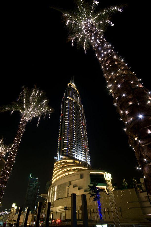 Jouluvalot saa viriteltyä palmuihinkin.