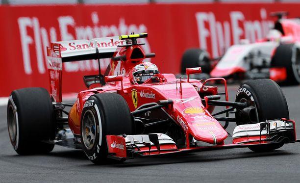 Kimi Räikköstä pidetään Sky Sportsilla Ferrarin selkeänä kakkoskuskina.