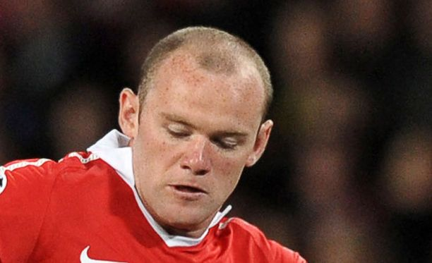 Nilkka vaivaa Wayne Rooneyta.