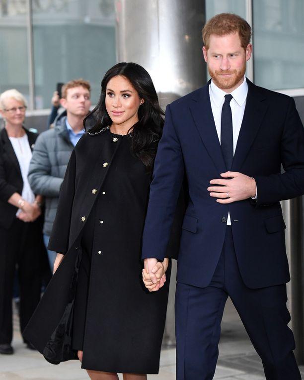 Herttuatar Meghan ja prinssi Harry vierailivat Uuden-Seelannin suurlähetystössä Lontoossa tiistaina.