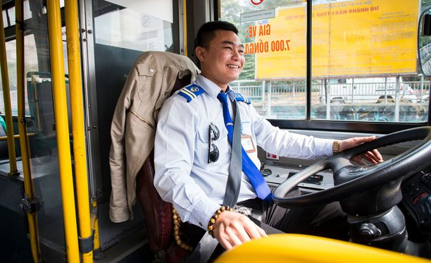Bussikuski Van Cong Thu on osallistunut koulutukseen, jossa kuljettajia opastetaan puuttumaan seksuaaliseen häirintään. Thun kokemuksen mukaan tyttöjä ahdistellaan enemmän kuin naisia, koska he ovat haavoittuvaisempia.