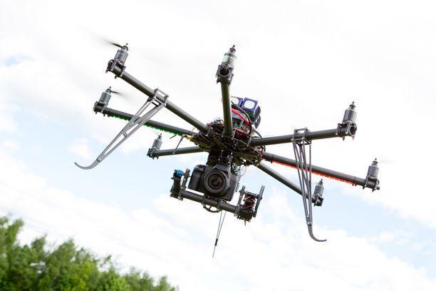 Dronet piinasivat Gatwickin lentokenttää viime viikolla. Kuvituskuva.