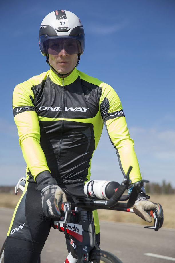 Terveen paperit saatuaan Jani Puhakka jatkoi triathlonin treenaamista ja tähtää takaisin huipulle.
