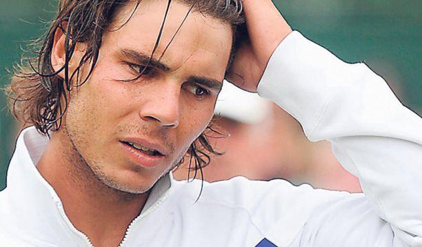 Rafael Nadalia arveluttaa palata kentille polvivammasta johtuneen pakkotauon jälkeen.