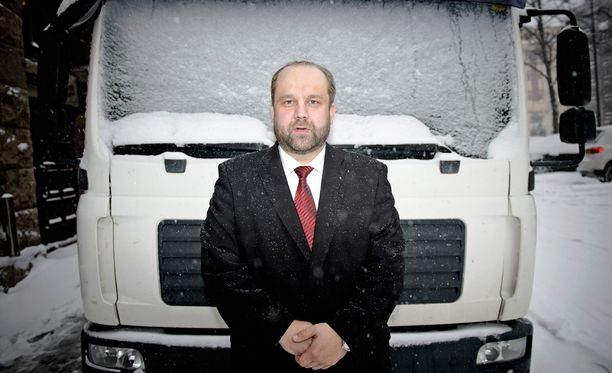 AKT:n puheenjohtaja Marko Piirainen on hankkinut kovan liittojohtajan maineen.