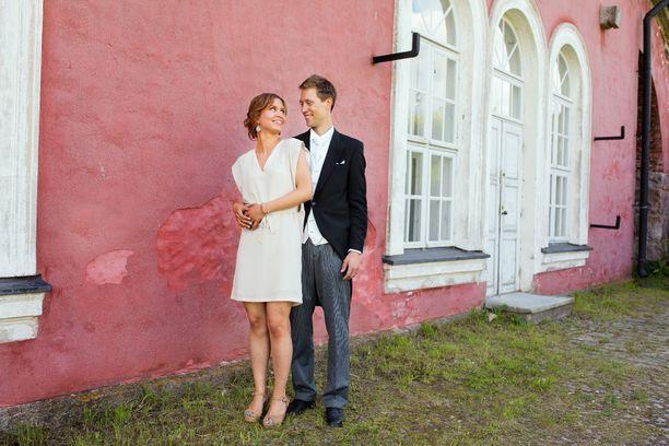 Ensitreffit alttarilla -ohjelman ensimmäisellä tuotantokaudella avioituneet Viola ja Esa saivat toisen lapsen kesän alussa.