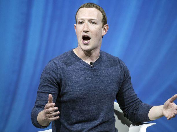 Facebookin toimitusjohtaja Mark Zuckerberg ei lämmennyt kutsulle saapua Britannian parlamentin kuultavaksi.