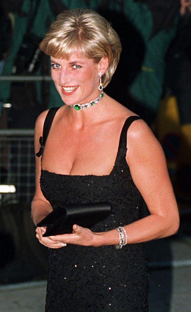 Prinsessa Diana oli kansainvälinen tyyli-ikoni, jonka kuolema järkytti ihmisiä ympäri maailmaa.
