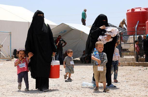 Al-Holin Isis-leirillä Syyriassa on yli 70 000 naista ja lasta, joiden joukossa on noin 33 suomalaista lasta ja 11 naista.
