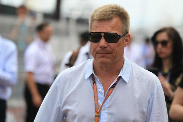 Mika Salon Ferrarilla ajamat kuusi osakilpailua poikivat hänelle Maranellosta muitakin töitä.