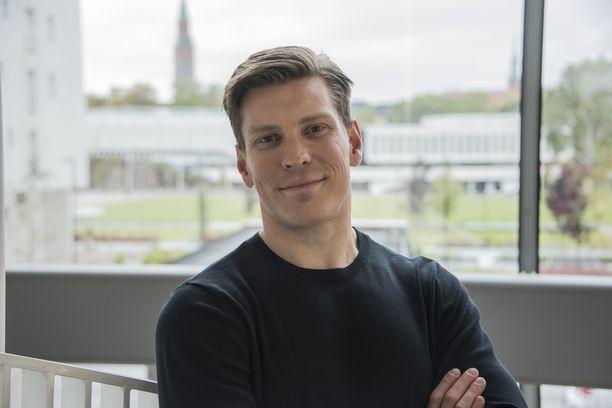 Antti Holma näytteli Veljeni vartijassa Jare ja Jere Tiihosta.