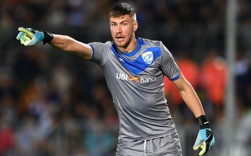 """""""Väärä joukkue"""" johtaa Serie A:ta – Huuhkajavahdin seura on alisuorittanut rajusti, silti sauma säilyä"""