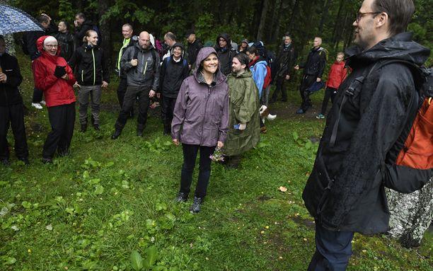 Victoria ja Daniel mitä ilmeisimmin viihtyivät metsäreissullaan.