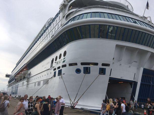 Silja Europan kahdeksannella kannella leijui tuntematonta kaasua. Matkustajat saivat oireita. Arkistokuva.