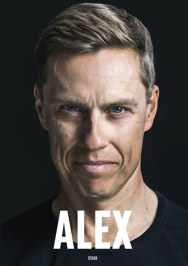 Alexander Stubbin ja kirjailija Karo Hämäläisen Alex-kirja (Otava) ilmestyi 24. elokuuta.