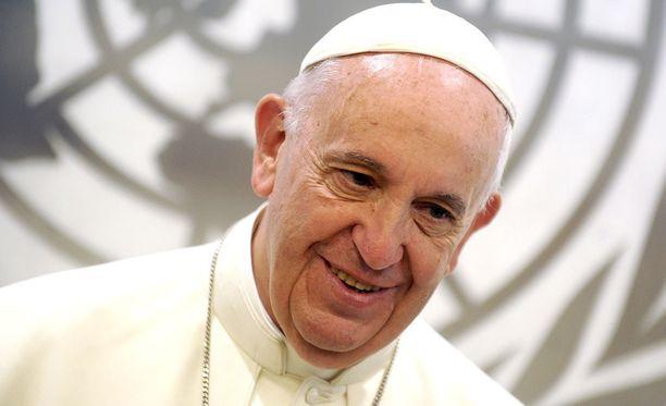 Paavi seuraa tiuhaan suuria urheilutapahtumia.