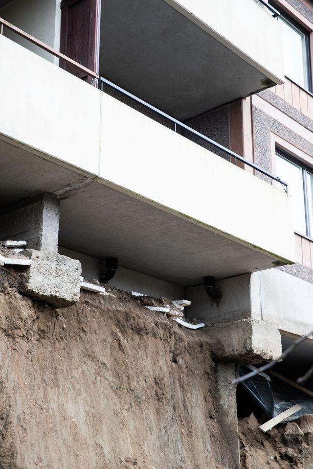 Kerrostalo on joutunut romahdusvaaraan Tampereella.